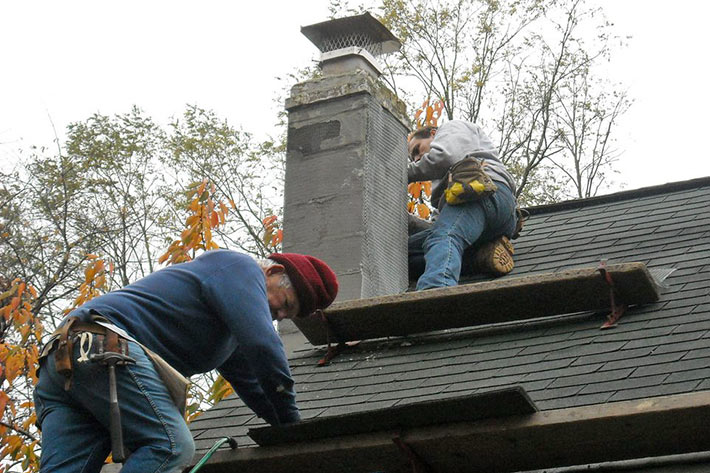 Chimney_roof_flashing_roofing_repair